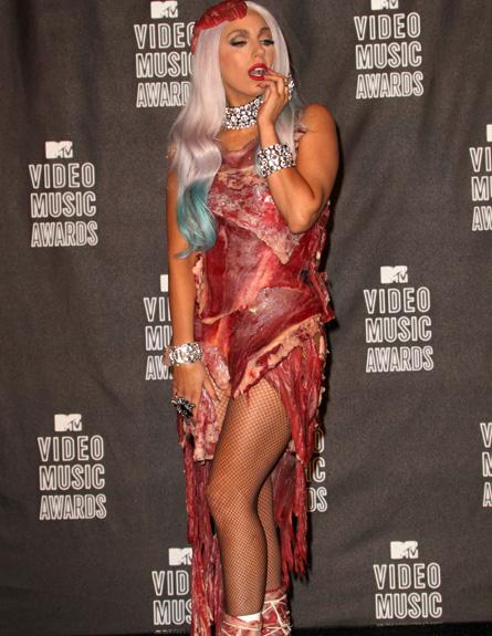 ליידי גאגא בשמלת בשר - טקס פרסי MTV 2010