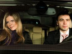 זוג רב באוטו 2 (צילום: Alexey Avdeev, Istock)