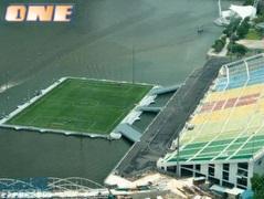 האצטדיון הצף בסינגפור. מקורי, אבל מי מביא כדורים? (צילום: מערכת ONE)
