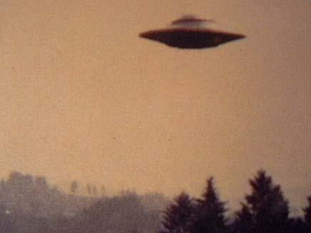 """החייזרים """"טיפלו"""" בנשק הגרעיני? אילוסטרציה (צילום: חדשות 2)"""