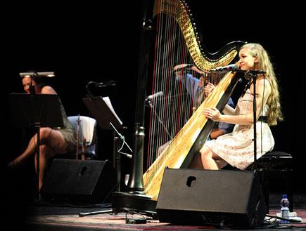 ג'ואנה ניוסום הופעה 4 (צילום: נועה מגר)
