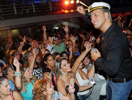 קובי פרץ בהפלגה בריו (צילום: ברק פכטר)