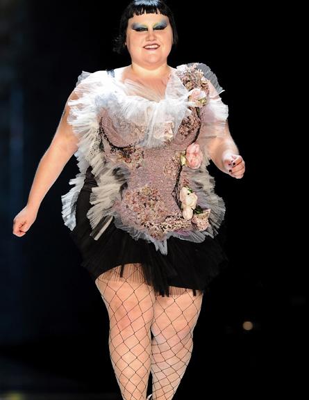 בת' דיטו בתצוגת אופנה של ז'אן פול גוטייה (צילום: Pascal Le Segretain, GettyImages IL)
