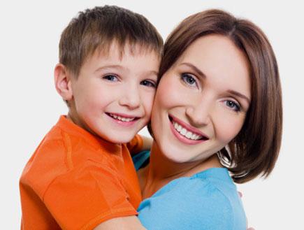 אמא ובן (צילום: ValuaVitaly, Istock)