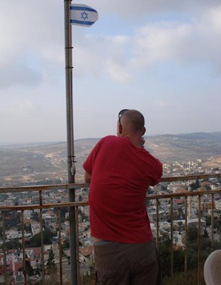 אתר הנצחה לחייל הערבי ואדי ערה  (צילום: משפחת יחיאלי)