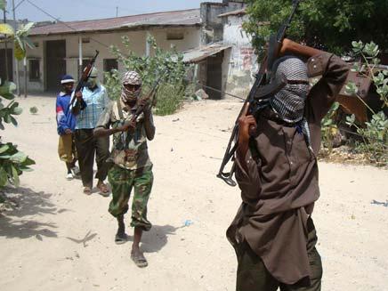 אנשי מיליציה באפריקה. ארכיון (צילום: רויטרס)