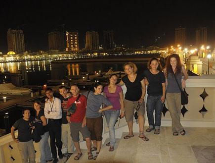 ישראלים במרינה דוחה  (צילום: החמישייה)