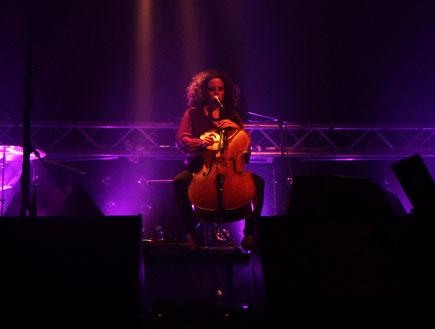 מיה בלזיצמן הופעה 2 (צילום: סיון כהן)
