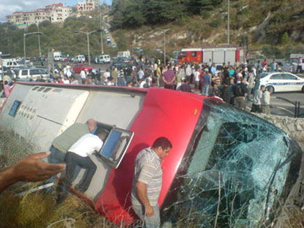 זירת התאונה, היום בוואדי ערה (צילום: אתר פאנט)