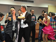 קובי פרץ חוגג ברוקדים עם כוכבים (צילום: יוני המנחם)