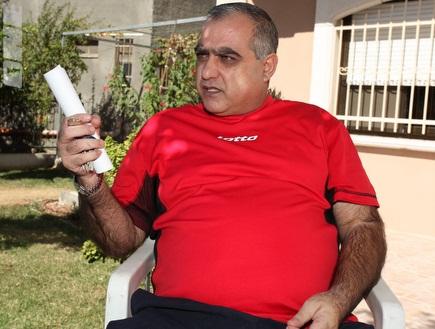 אבו סלאח. מאשים את השחקנים במצב (עמית מצפה) (צילום: מערכת ONE)