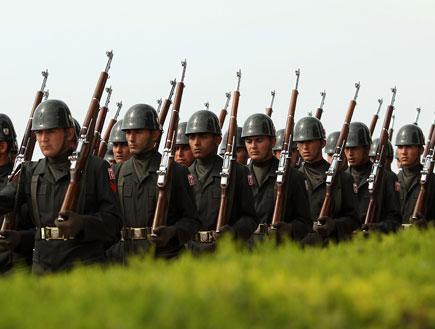 חיילים טורקים (צילום: Phil Walter, GettyImages IL)