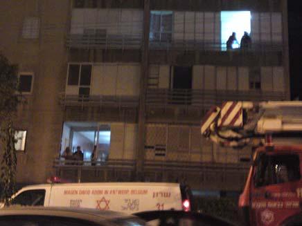 נער שקפץ מהמרפסת במצב קשה. צילום ארכיון (צילום: חדשות 2)