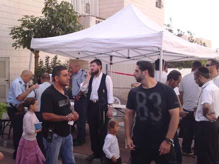 """החפ""""ק המשטרתי באלעד, הבוקר (צילום: עזרי עמרם, חדשות 2)"""