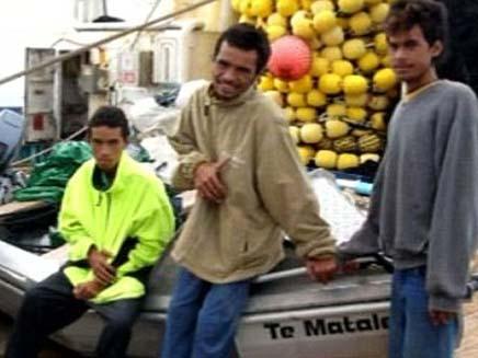 נס בפיג'י: שרדו 5 ימים בלב ים (צילום: דיילי מייל)