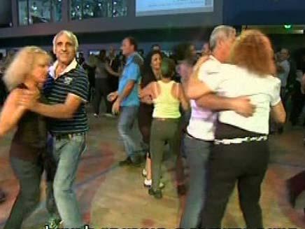 ריקודי עם (צילום: חדשות 2)