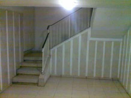 לא חשב שיסיים שם, חדר המדרגות, אילוסטרצי (צילום: חנן שרויטמן, חדשות 2)