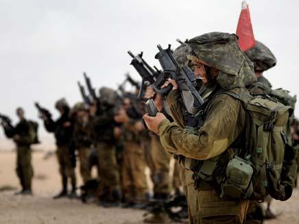 """פחות אימונים צבאיים (צילום: דו""""צ)"""