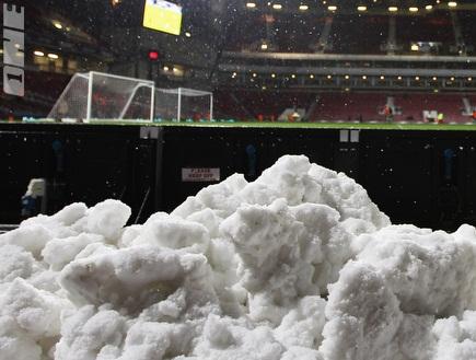 אצטדיון מלא בשלג. התיירים יפוצו? (GettyImages) (צילום: מערכת ONE)