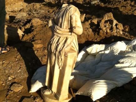 הפסל שהתגלה בדצמבר האחרון (צילום: מיכה  שמילוביץ)