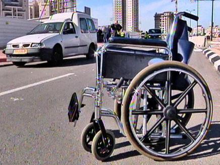 זירת התאונה בפתח תקווה, היום (צילום: חדשות 2)