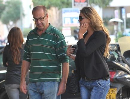 אסתי גינזבורג ואבא שלה (צילום: יוני טובלי)