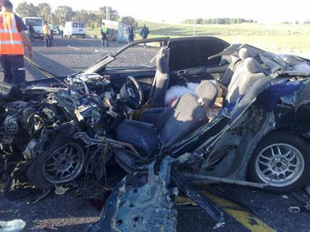 זירת התאונה בצומת אפק (צילום: פוראת נסאר)