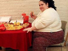 חולמת להיות השמנה בעולם (צילום: dailymail)
