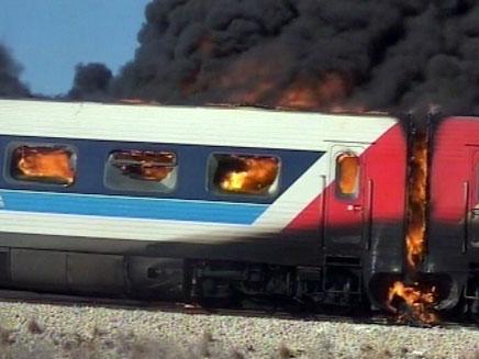 רכבת שרופה (צילום: חדשות 2)