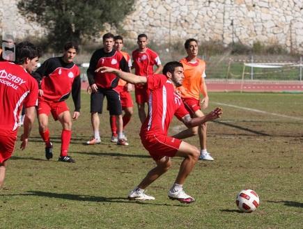 שחקני הפועל חיפה באימון (עמית מצפה) (צילום: מערכת ONE)