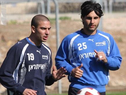גיא חיימוב ושמעון אבוחצירא (עמית מצפה) (צילום: מערכת ONE)