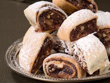 עוגיות תמרים מבצק שמנת (צילום: שחר פליישמן, מתכון בטוח 2, הוצאת פן וידיעות ספרים)
