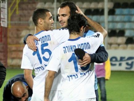 דמארי, גולן ובקל מאושרים בסיום המשחק (מור שאולי) (צילום: מערכת ONE)