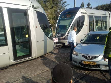 התאונה בירושלים, הבוקר (צילום: יוסי זילברמן, חדשות 2)