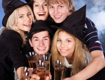 מסיבת תחפושות, מכשפות, ילדים, תחפושת (צילום: Gennadiy Poznyakov, Istock)