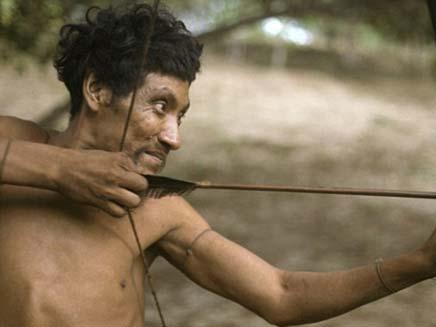 """אנשי השבט האבוד """"אווה"""" (צילום: survival international)"""