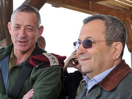 בני גנץ ואוהד ברק (צילום: אריאל חרמוני, משרד הביטחון)