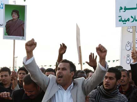 לווית ההרוג בטהרן, היום (צילום: רויטרס)