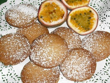 עוגיות פסיפלורה מוכנות (צילום: אביבה פיבקו)