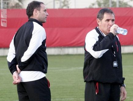 גוטמן ודומב. המאמן יישאר בביתו (דרור רוזנפלד) (צילום: מערכת ONE)