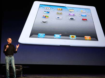 סטיב ג'ונס מציג: אייפד 2 (צילום: רויטרס)