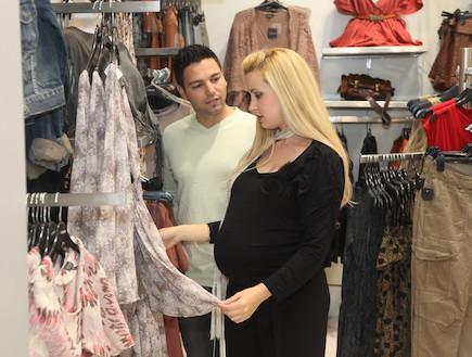 הראל מויאל ואשתו שמרית בהריון שני (צילום: אלירן אביטל)