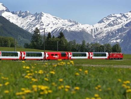 רכבת סובבת קרחון שוויץ (צילום: האתר הרשמי)