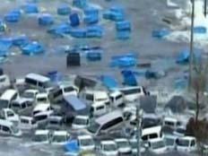 הגל סחף מאות מכוניות וגרם להרס אדיר