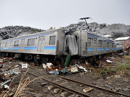 שתי רכבות נוסעים התנגשו חזיתית. ארכיון (צילום: רויטרס)