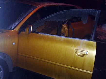 רכב שרוף. ארכיון (צילום: פוראת נאסר)