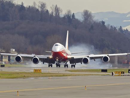 בואינג 747-8 בטיסה ראשונה (צילום: Stephen Brashear, GettyImages IL)