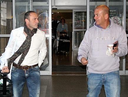 איוווניר וגדי כרמלי בנמל התעופה (ליאור טימור) (צילום: מערכת ONE)