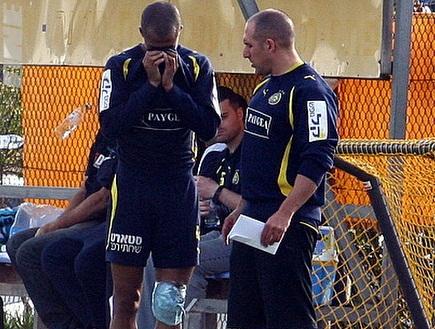ניבאלדו ממרר בבכי לאחר שנפצע באימון (ליאור טימור) (צילום: מערכת ONE)