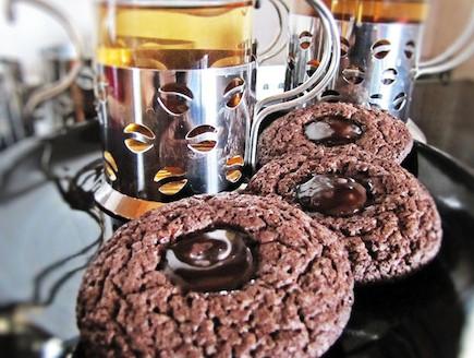 עוגיות שוקולד שוקולד מוכנות (צילום: דליה מאיר, קסמים מתוקים)